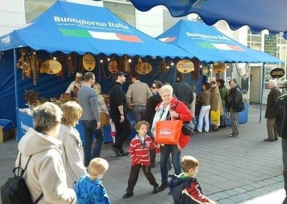 <p>Tent – Shop – Market</p> <p>4.5m x 3m Shop 1 Awning (4.5m x 3.8m)</p>