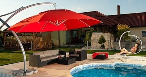 <p>Parasols – Tulip</p> <p>Rope opening system with 8 arms displaying 100% polyester that is UV protected. All 8 panels can be branded if desired.</p>