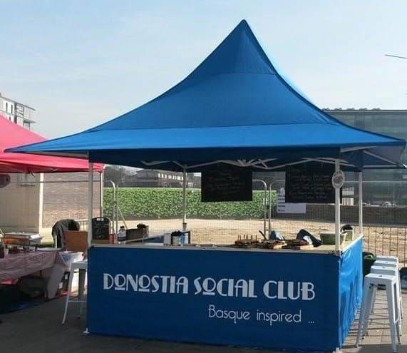 <p>Tent – Shop – Donostia</p> <p>3m x 3m Shop 1 Awning (3m x 3.8m)</p>