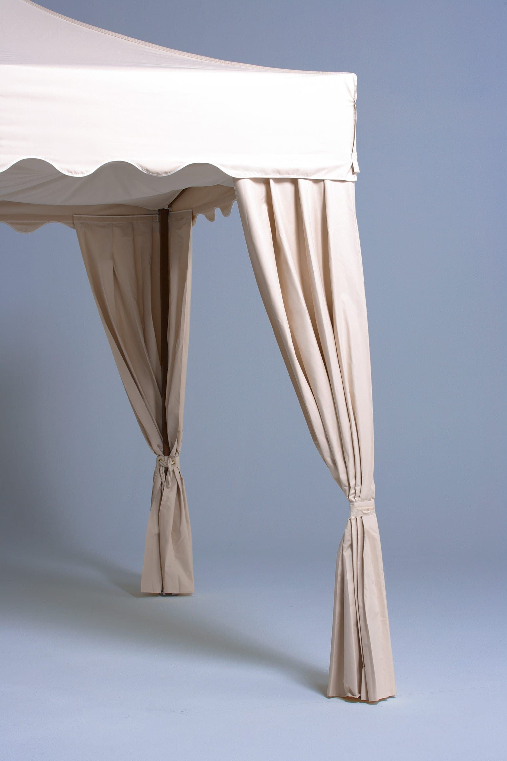 <p>Tent – Corner Curtains</p> <p>Various</p> <p>For the Royal Folding tent model only. The corner curtains create an atmosphere of upmarket luxury.</p>