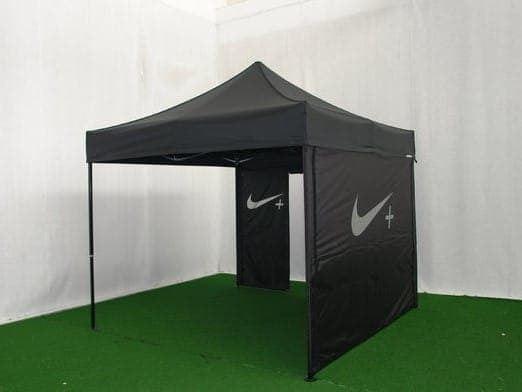 <p>Tent &#8211; Classic &#8211; Nike</p> <p>3m x 3m</p>