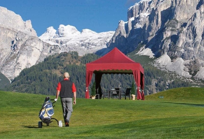 <p>Tent – Royal – Golf</p>