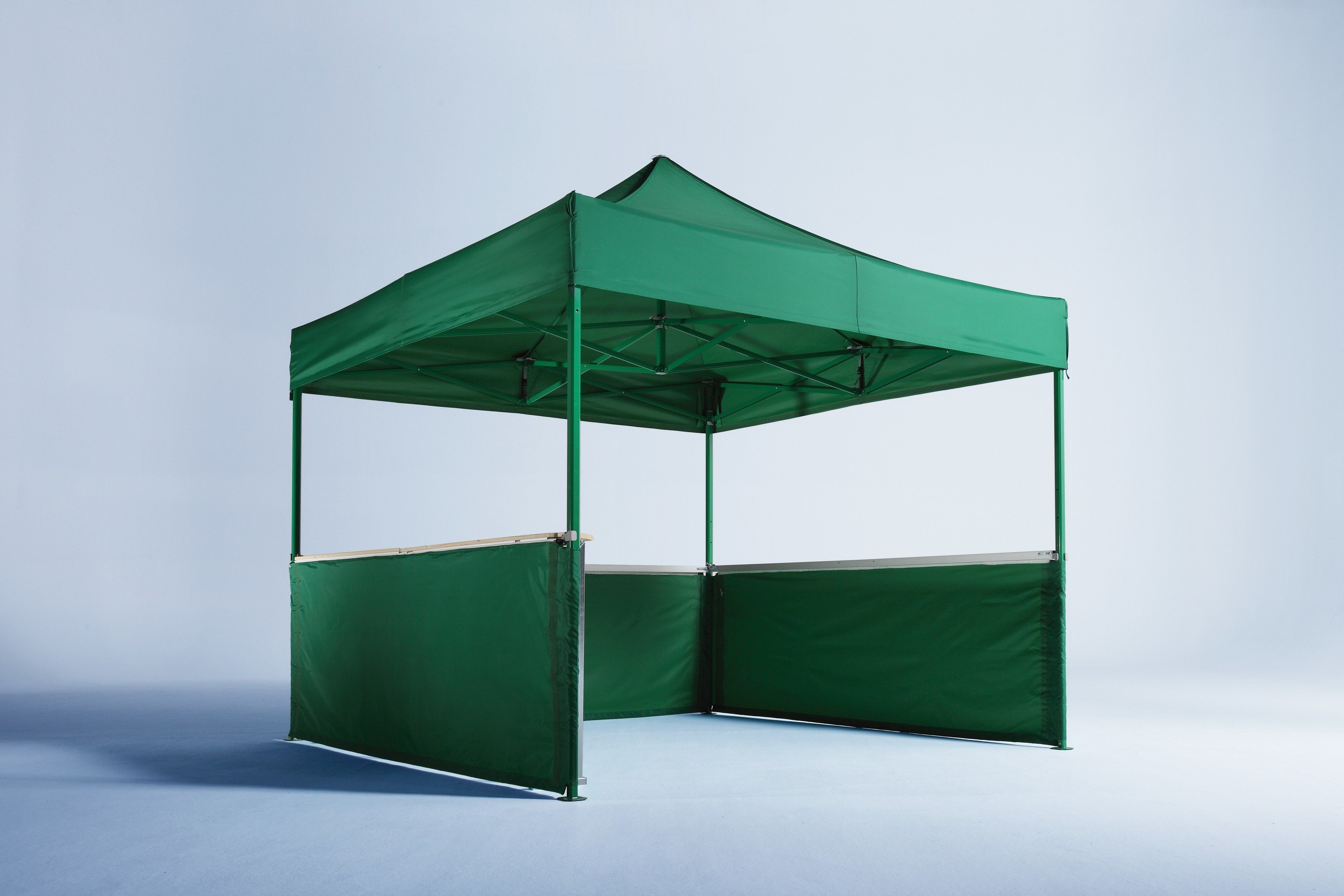 <p>Tents & Marquees – Folding Tents – Green Classic Gazebo.</p> <p> </p> <p>3x3m coloured frame with half height walls.</p> <p> </p> <p> </p>