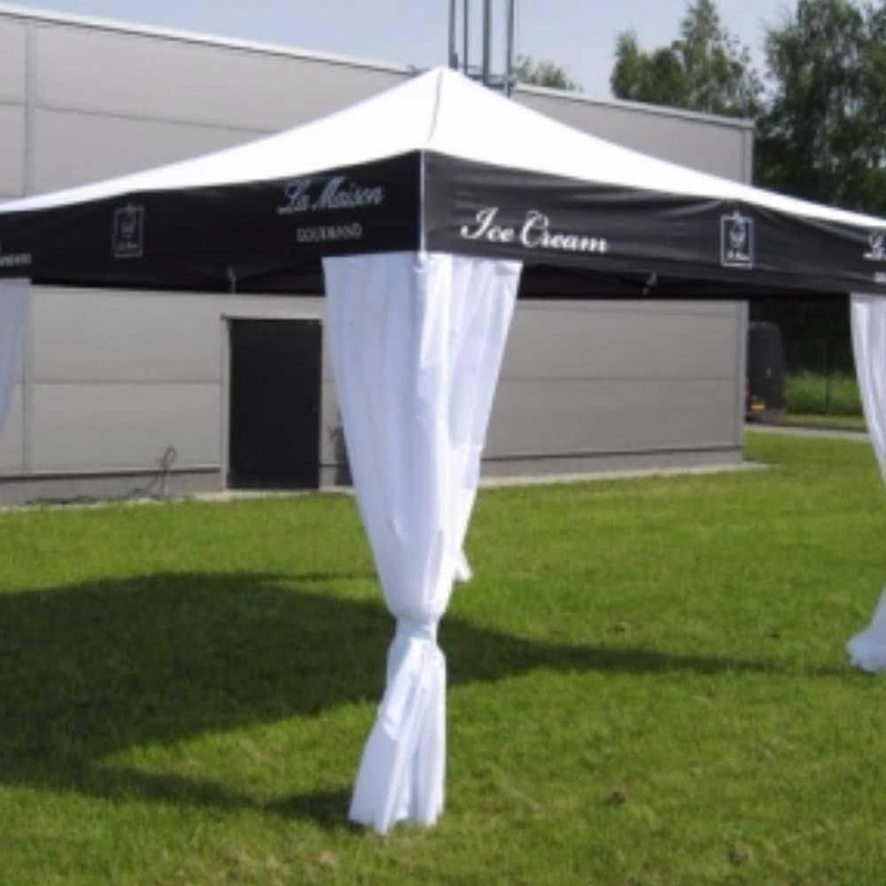 <p>Tent – Classic – La Maison</p> <p>4m x 4m</p> <p>An elegant folding tent to promote La Maison ice cream</p>