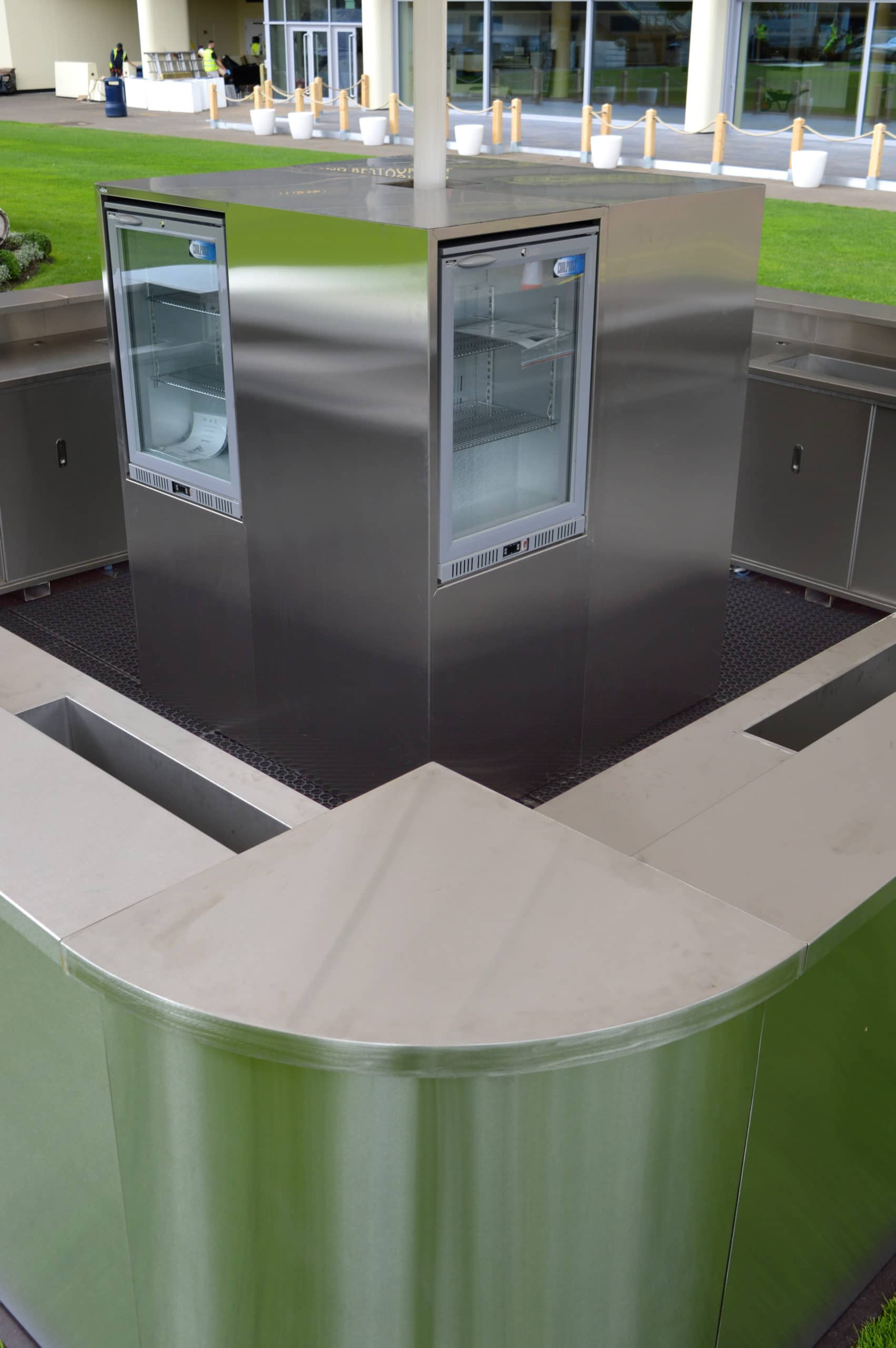 <p>Bespoke Products – Mobile Carts – Mobile Bars – Custom Modular Design – Stainless Steel Corner Unit & Refrigeration</p> <p></p> <p>Stylish, eloquent & taylor made Mobile Drinks Bar image of standard unit option</p> <p></p> <p>Designed to meet the customer needs & objectives to include draught dispense, champagne, Pimms, multi-purpose etc or whatever the customer requires to make their mobile beverage bar unique & exclusive to their brand</p> <p></p> <p>One example of a design. We can design and manufacture to meet customer's specific objectives</p>