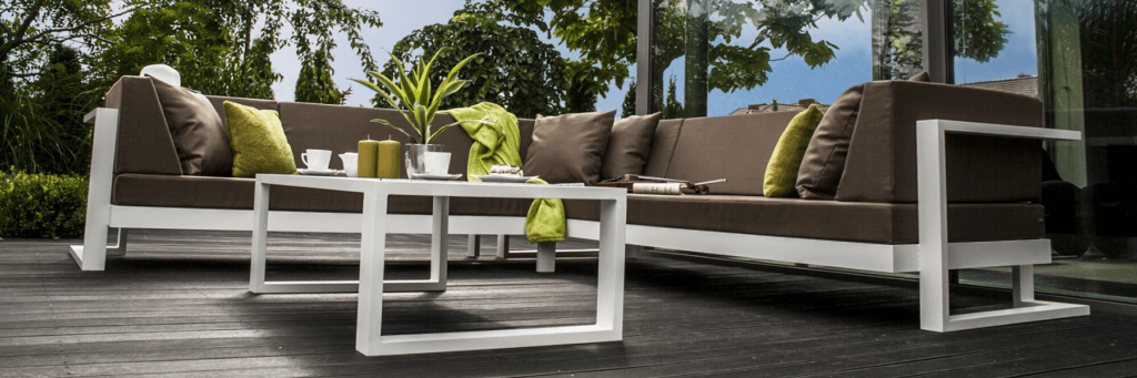 Coffee Lounge Set Sofas and Table