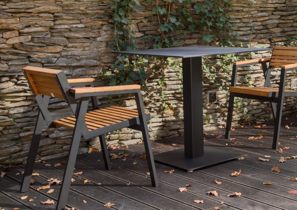 <p>Outdoor Furniture – Metal & Wooden Dining Collection – Carina Table.</p> <p> </p> <p>Carina Furniture – Table.</p> <p> </p> <p>Aluminium Table from a versatile range offering cleanly styled modern looking furniture for any discerning restaurateur or hospitality event organiser</p>