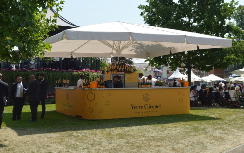 Event-Mobile-Stadia-Bars-Umbrella-Bars-Premium-Champagne-Bar