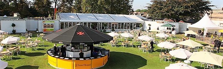 Event-Mobile-Stadia-Bars-Umbrella-Bar-Champagne-Bar-Lanson-Veuve-Clicquot-Hospitality-Racecourse-Venue