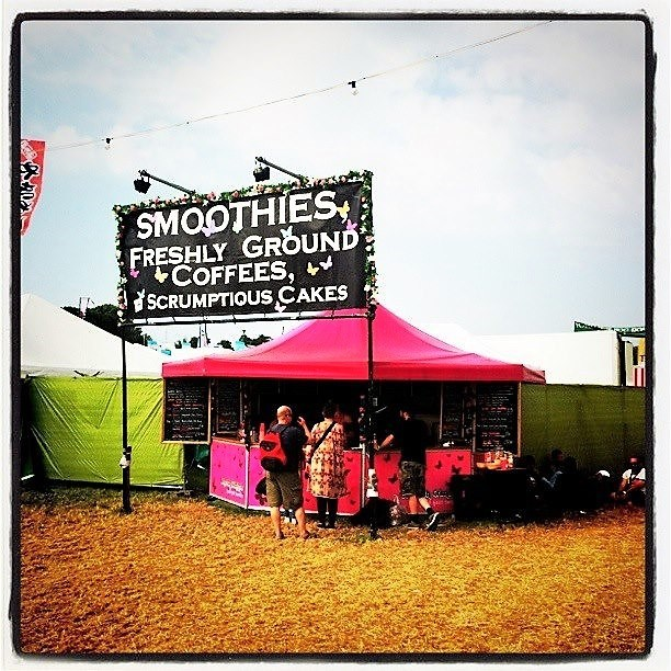 <p>Event, Mobile &amp; Stadia Bars &#8211; Tents &amp; Marquees &#8211; Octagonal Pavilion.</p> <p>&nbsp;</p> <p>Festival Bar in Pink for Smooth Criminals serving Smoothies, Coffee &amp; Scrumptious Cakes &#8211; used at Camp Bestival, Glastonbury etc</p>