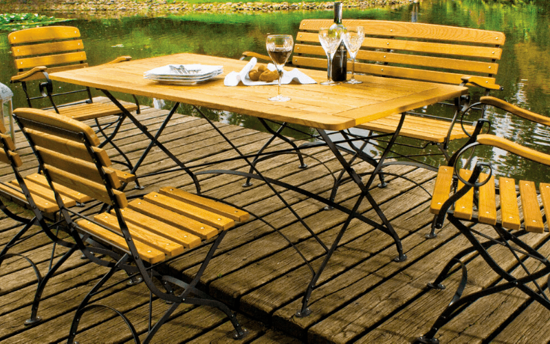 <p>Outdoor Furniture Metal & Wooden Dining Collection Classico Bistro Style.</p> <p> </p> <p>A classic Bistro style furniture range including armchairs, chairs, benches, tables of varying sizes.</p> <p> </p> <p>Suited for patios, hotel terraces, al fresco restaurant terraces, pavement terraces.</p>