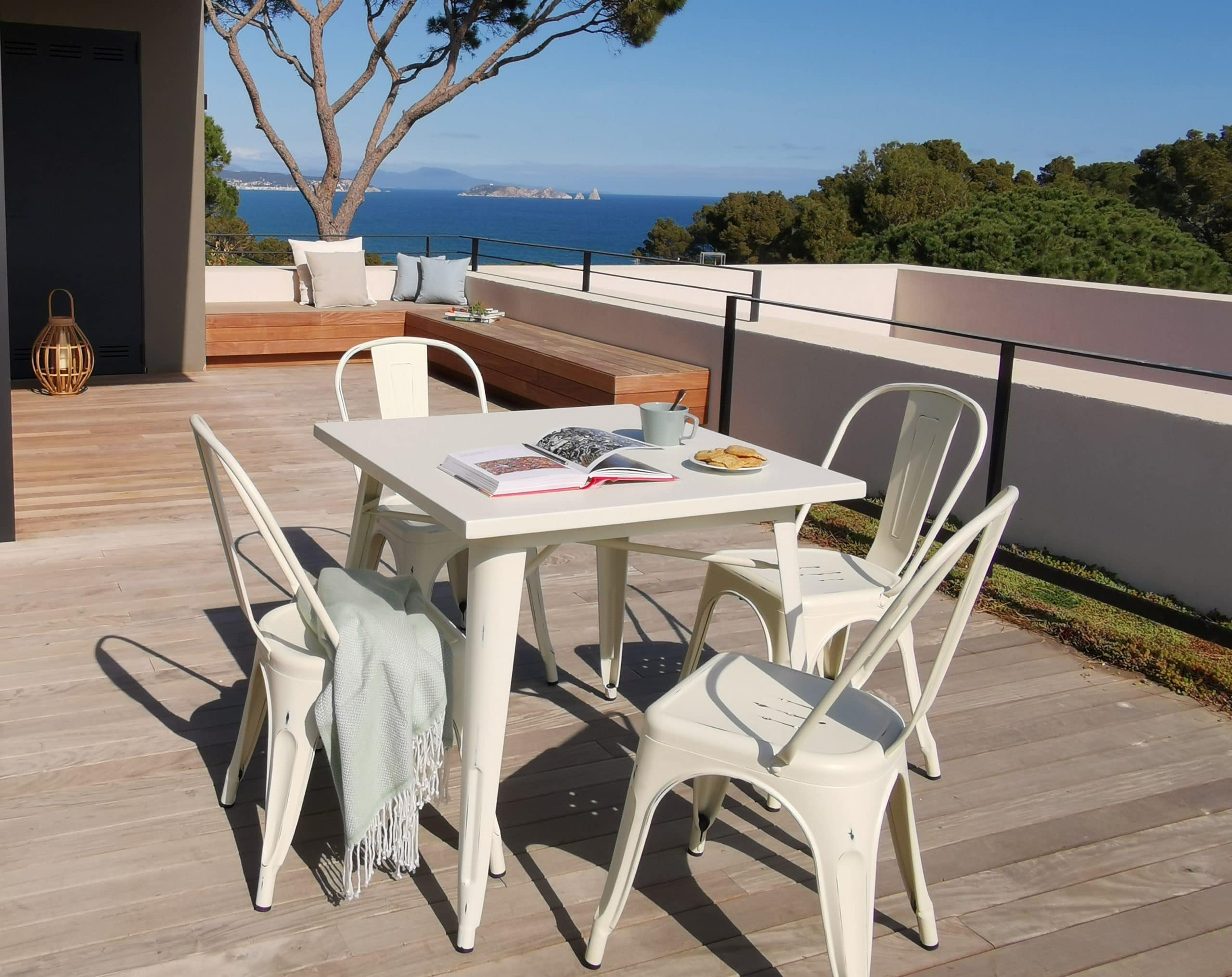 <p>Outdoor Furniture Contemporary Collection Laredo Commercial Dining Set.</p> <p> </p> <p>Table and Chairs for indoor and outdoor use. Combine with Laredo Stool.</p> <p> </p> <p>Adaptable to any environment being designed by architects. Captures essential features such as elegance lightness, functionality, ergonomics and care for the environment.</p>